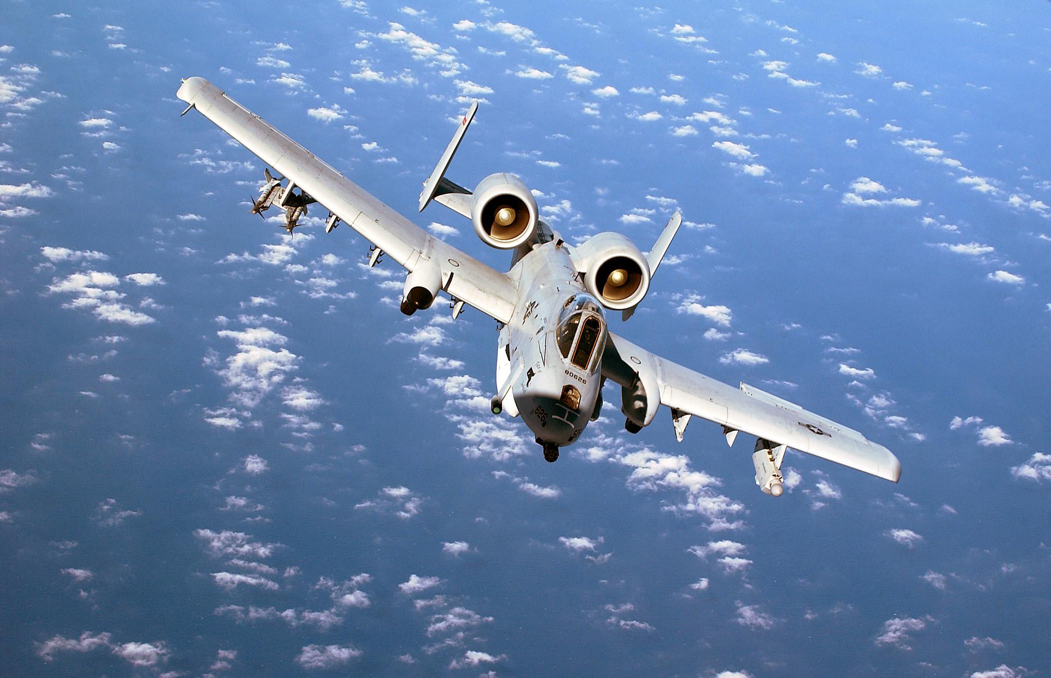 A-10_Thunderbolt_II_1