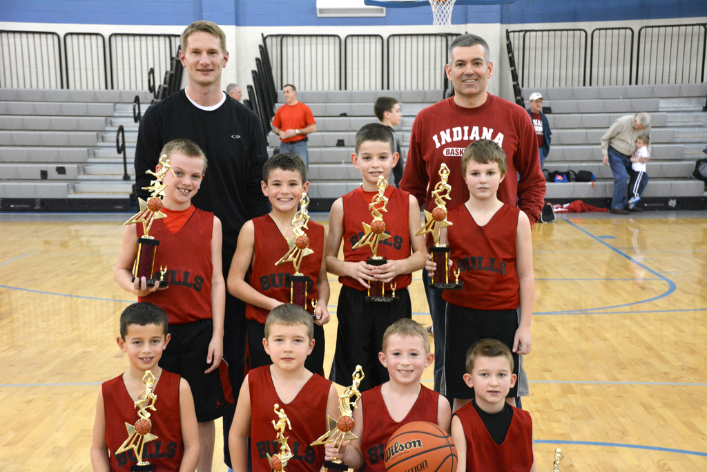 From left and back, coach Rod Reinhart, coach Matt Orme, Clay Richards, Cam Carmichael, Sam Orme, Beau Willman, Charlie Hall, Lucas Parker, Logan Reinhart and Lucas Reisinger. (Submitted photo)