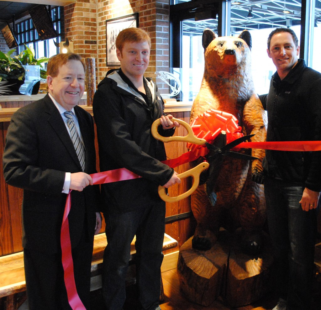 CIC-DOUGH-NowOpen-Mackenzie-RibbonCutting