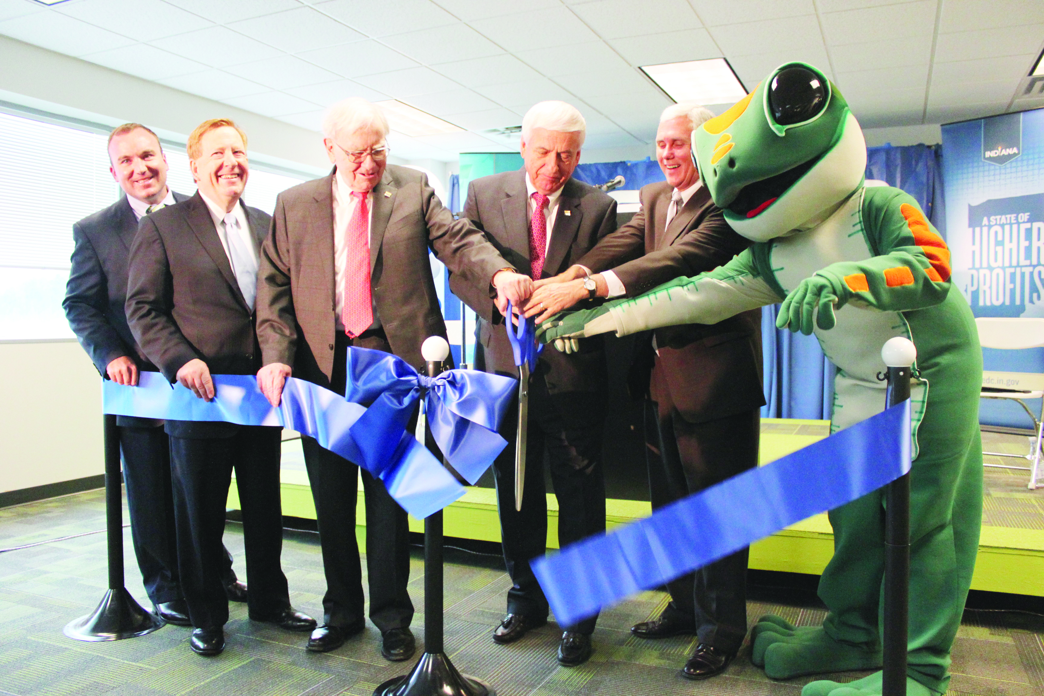 GEICO_Ribbon_Cutting(2)