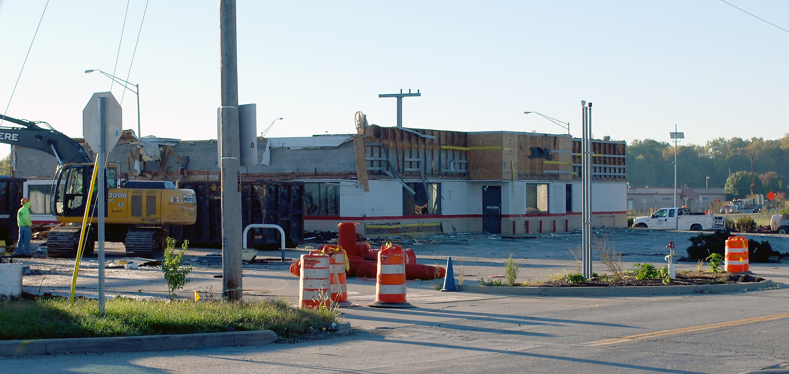 Demolition and site work begins at the U.S. 31-Ind. 32 intersection at the former Shell gas station and McDonald's. (Photo by Robert Herrington)