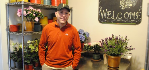 Robb Greene, founder of epottingshed.com, has built a successful Internet business by delivering live, blooming plants to customers who are tired of quick-wilting cut flowers. (Staff photo)
