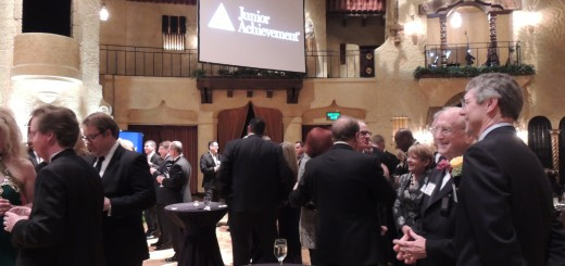Cocktail Hour prior to Hall of Fame Awards Presentation. (Staff photo by Tonya Burton)