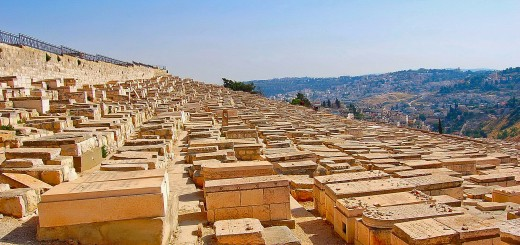 Cemetery on Mount of Olives. (Photo by Don Knebel)