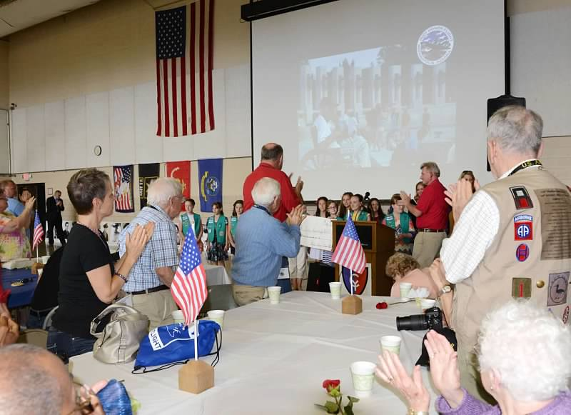 snapshot zionsville girl scouts give to indy honor flight