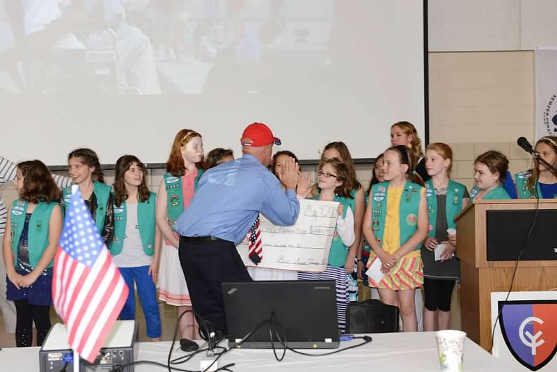 zionsville girl scouts give 2 900 to indy honor flight
