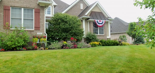 Kirsten and Joel Tragesser, Large Front Yard winners. (Submitted photos)
