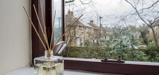 Reed Diffuser to Make a Room Smell Nice