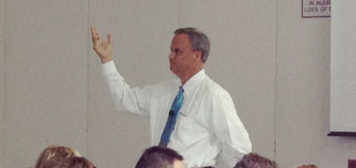 State Sen. Jim Merritt (R-Indianapolis) addresses the forum crowd on Aug. 28 at the Hamilton County 4-H Fairgrounds.