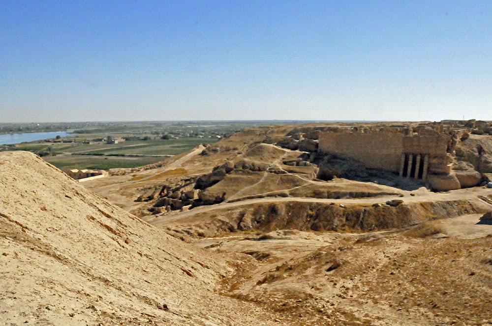 Ruins at Dura Europos near the Euphrates River (Photo by Don Knebel)