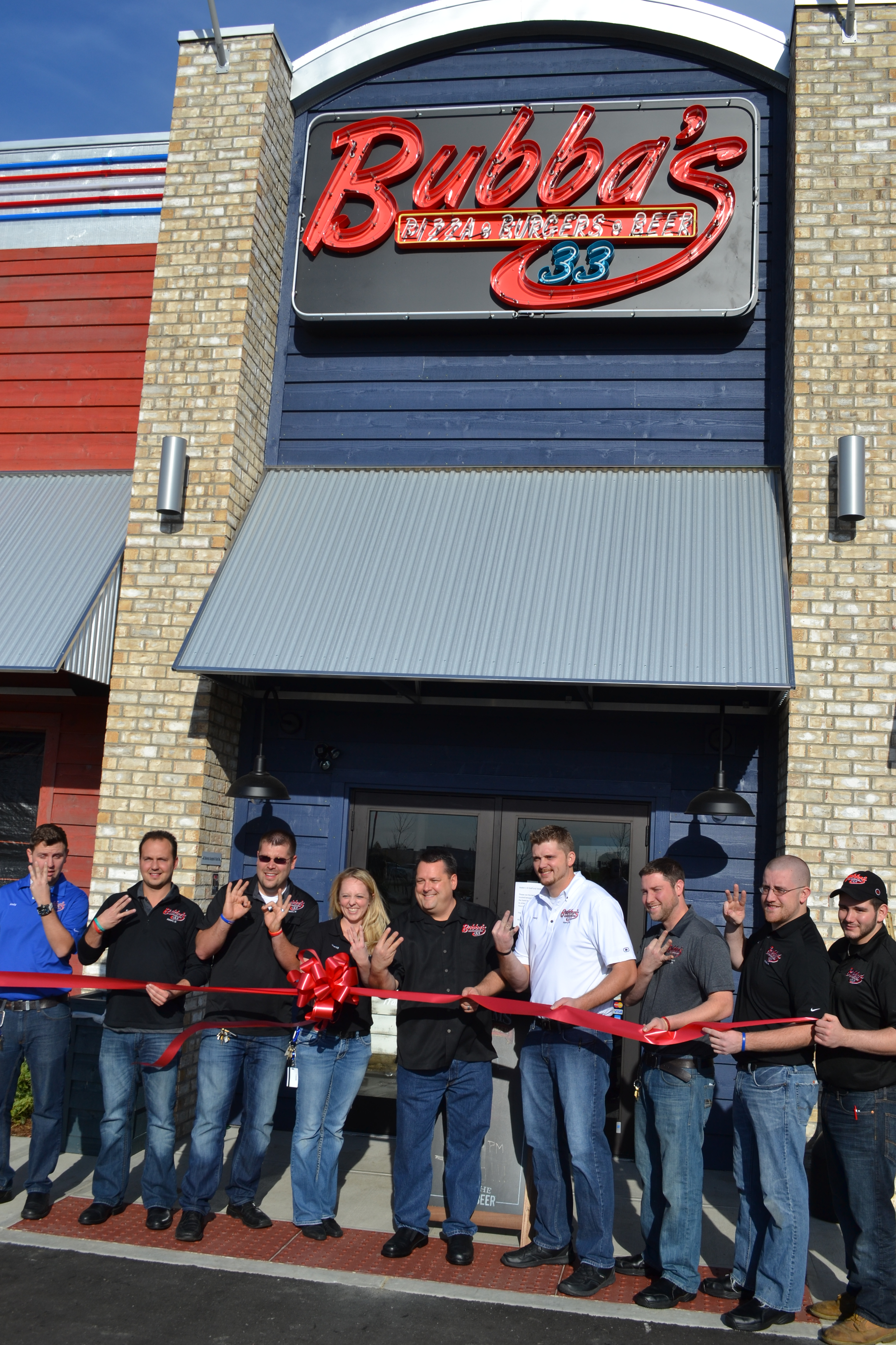 Bubba s 33 is latest restaurant to open in fishers for Fisher fish chicken indianapolis in