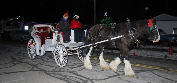 The annual Westfield in Lights has a vari- ety of activities from 3:30 to 7:30 p.m. Dec. 6 including carriage rides, pictures with Santa and his elves, live reindeer and live entertainment. (File photo)