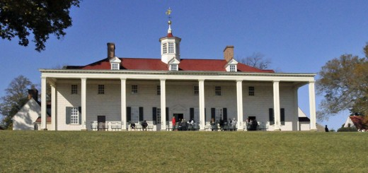 East Side of Washington's home, facing the Potomac River. (Photo by Don Knebel)