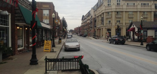 Carmel's Arts & Design District is quiet and uncongested on Nov. 28, Black Friday. (Photo by Adam Aasen)