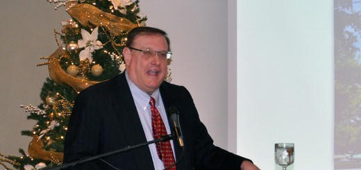 """Kevin Brinegar, Indiana Chamber of Commerce president and CEO, outlines """"issues of interest"""" in the upcoming Indiana Legislature session to Hamilton County chamber of commerce members Dec. 12 at Oak Hill Mansion in Carmel. (Photo by Mark Robinson)"""