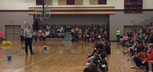 Mayor Scott Fadness rallies the students for Lemonade Day kickoff. (Submitted photos)