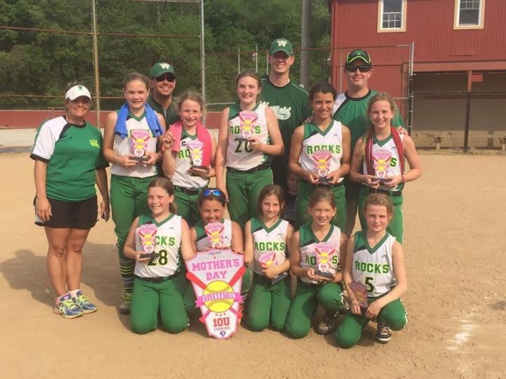 CIW-SNAP-0611-softball team2