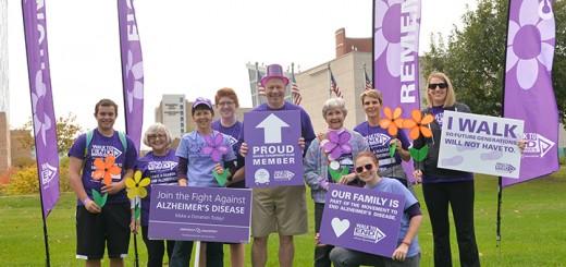 From left: Jackie Abbett, Barb Settles-Huge, Charlie Abbett, Dan Huge, Pat Settles, Amber Sermersheim, Diane Hamer and Kim Schrank at Walk to End Alzheimer's 2014. (Submitted photo)