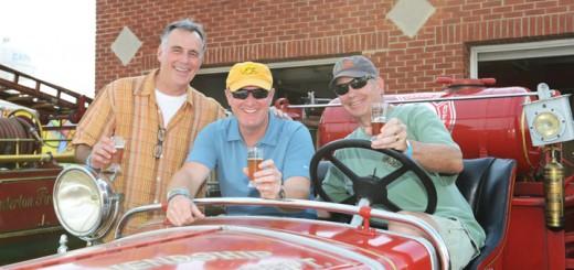 Tom Pearcy, Dan Oberbroeckling and Bob Beasley enjoy a drink.