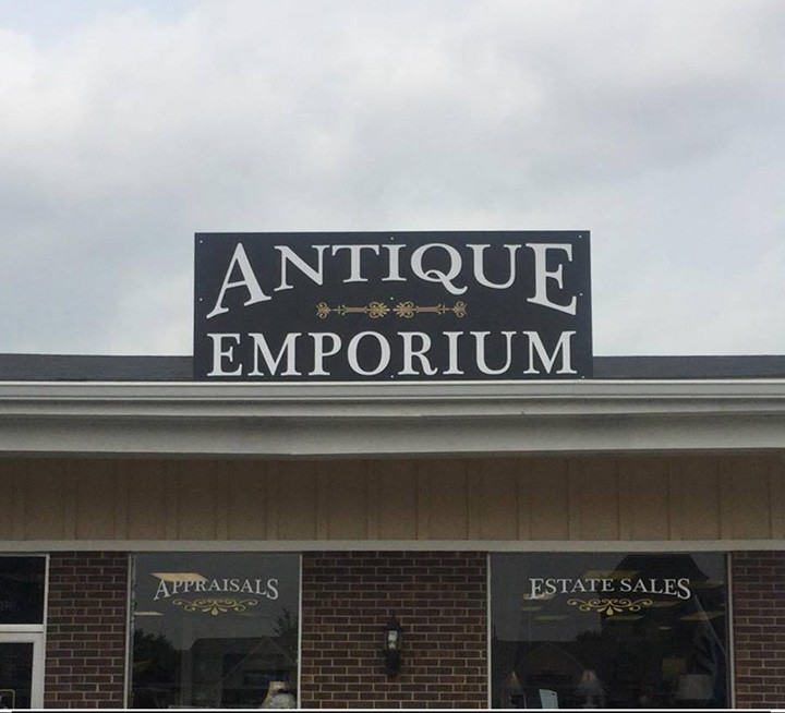The entrance of the moved business, The Antique Emporium, formerly part of Shoshone Place. (Photo by Sam Elliott)