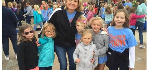 Oak Trace Elementary School principal Robin Lynch celebrates the achievement with some of Oak Trace's students. (Submitted photo)
