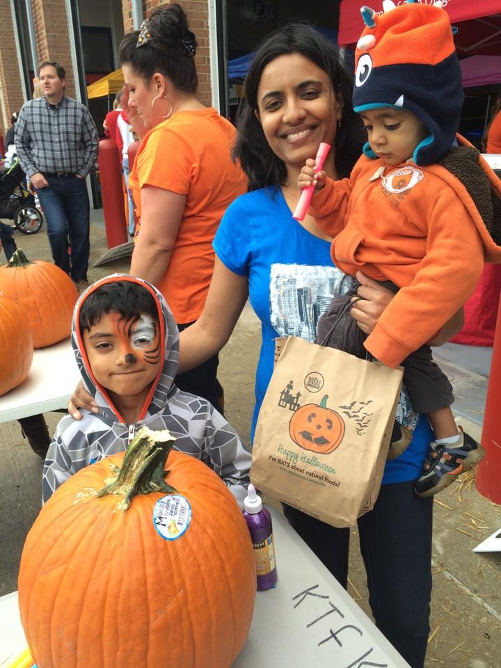 Shweta, Atharva and Aarsh Sahu at PumpkinFest. (Photo by Kayla Nakeeb)