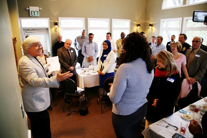 Jerry Zehr leads a breakfast event for the Interfaith Alliance of Carmel. (Photo by Feel Good Now)