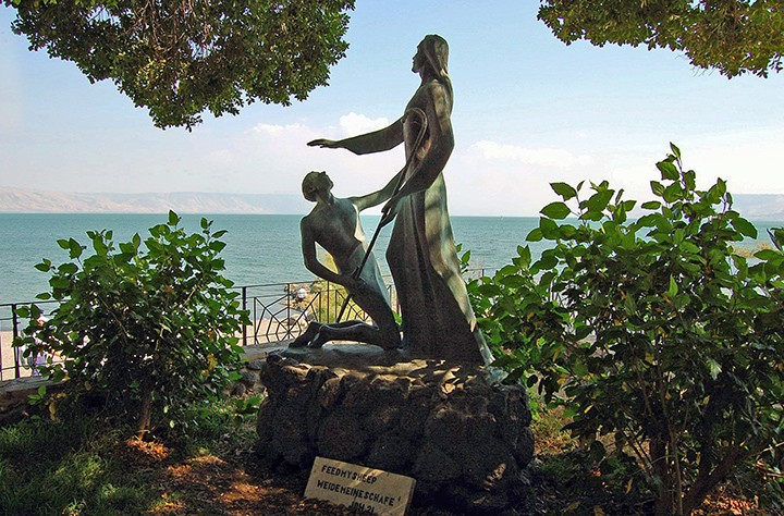 Jesus forgiving Peter along Sea of Galilee. (Photo by Don Knebel)