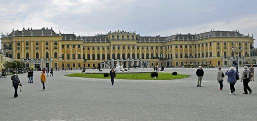 The south side of Vienna's Schönbrunn Palace. (Photo by Don Knebel)