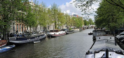 Along Amsterdam's Singel Canal. (Photo by Don Knebel)