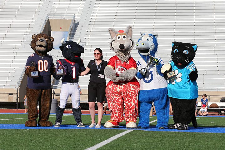 CIC-COM-0726-Mascots at CHS 5