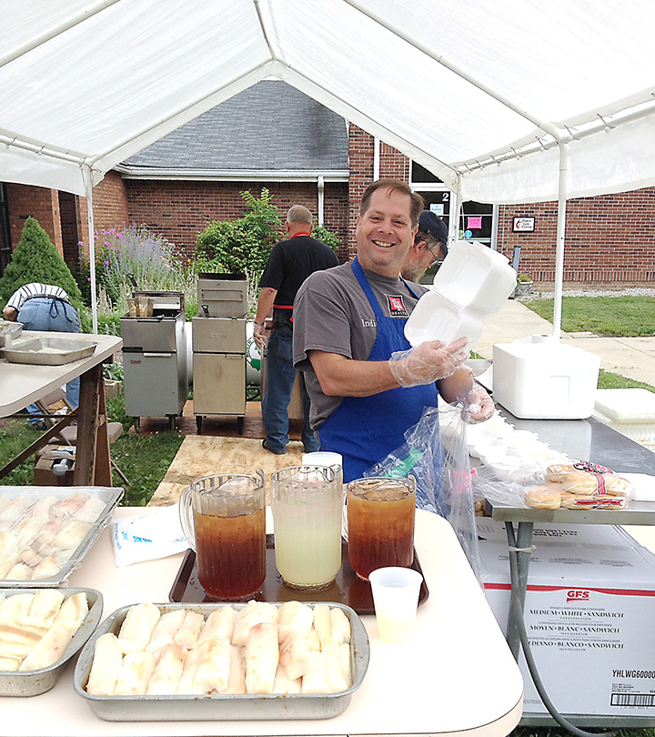 Christ united methodist church celebrates its 75th fish fry for Ankers fish fry