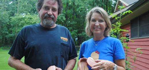 T.J. Farrar and Debbie Townsend celebrate reaching 30 years post kidney transplant. (Photo by Anna Skinner)