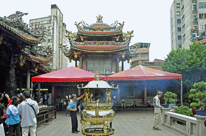 Inside Longshan Temple in Taipei, Taiwan. (Photo by Don Knebel)