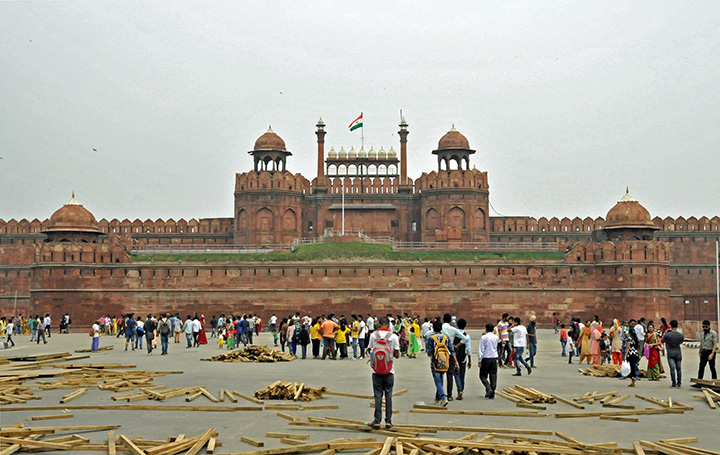Column Red Fort Symbol Of Independence Current Publishing