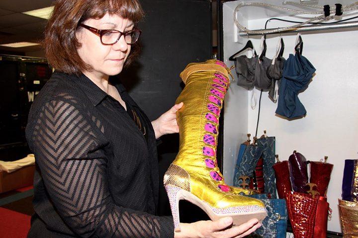 ND-0530-WA sees Kinky Boots Clowes Hall3
