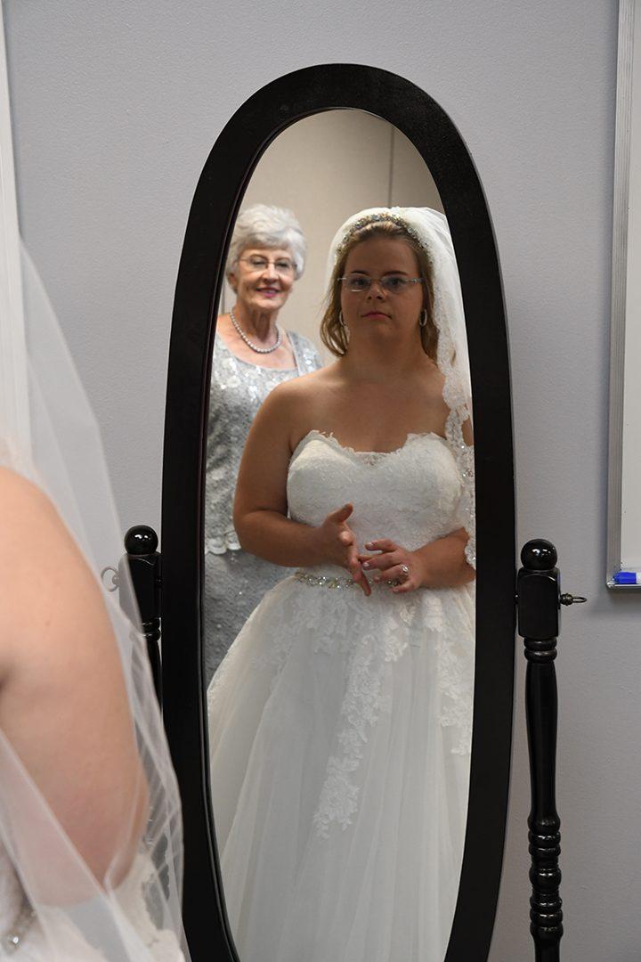 CIC-COM-0815-Down Syndrome Wedding 14