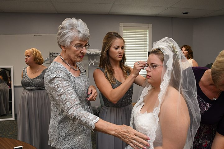 CIC-COM-0815-Down Syndrome Wedding 5