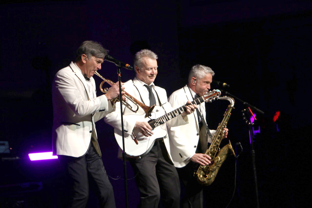 from left rick braun peter white and dave koz live at the palladium - Dave Koz Christmas Tour