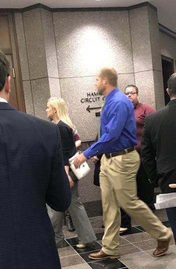 Jason Seaman walks into the Hamilton County Circuit Court Courtroom. (Photo by Sadie Hunter)