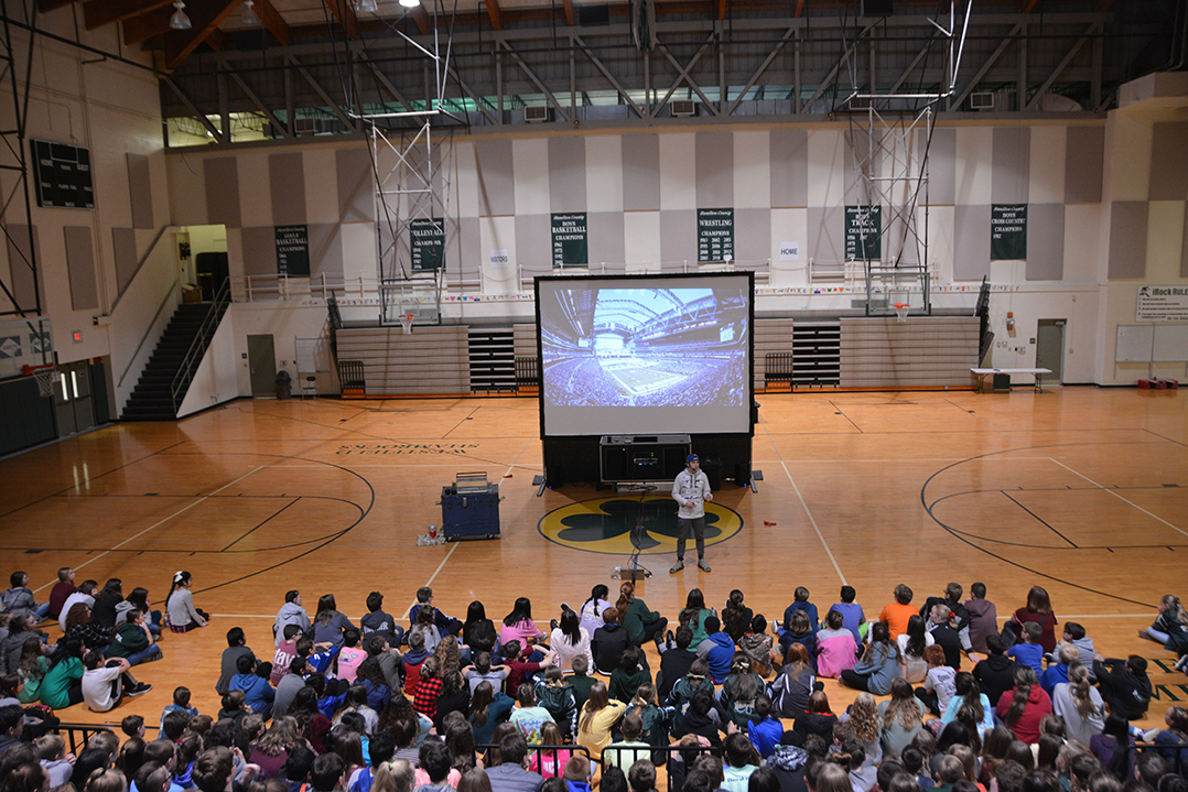 Indianapolis Colts Mascot Blue Visits Westfield Middle School With The Message Of Love Current Publishing