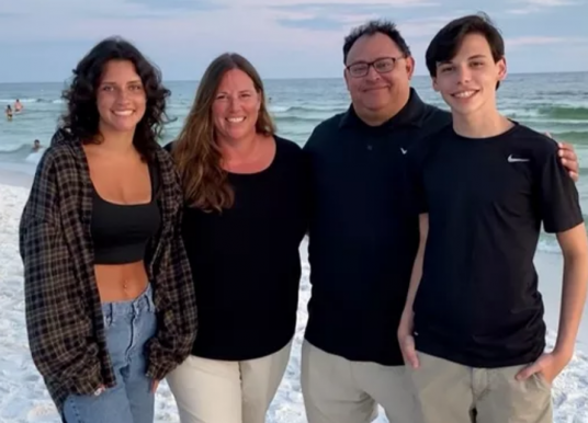 Zionsville father dies in crash, community responds with support