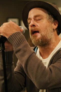 Leif Garrett practices at Kingston's Music Showcase. (Photo by Feel Good Now)